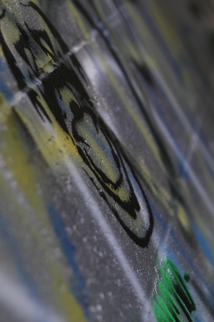 graffiti grey black yellow green blue