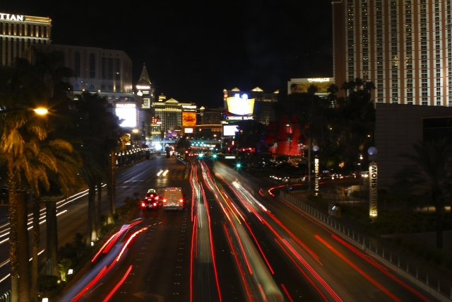 las vegas strip light trail car